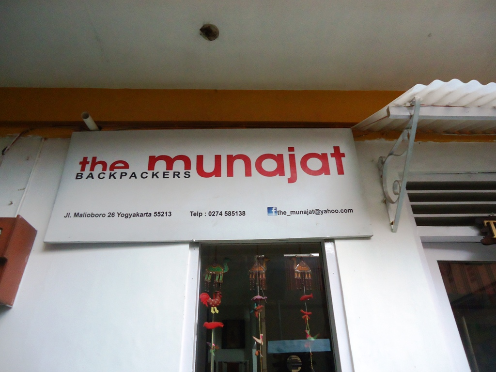 Backpacking Ke Yogya Menginap Di The Munajat Backpacker